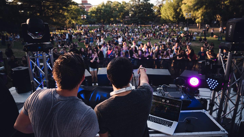 DJs | © Bbolender / Pixabay