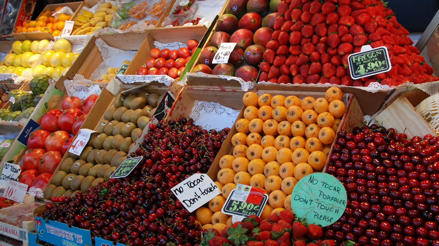 A fruit stall in a Madrid market | © Stacy/Flickr