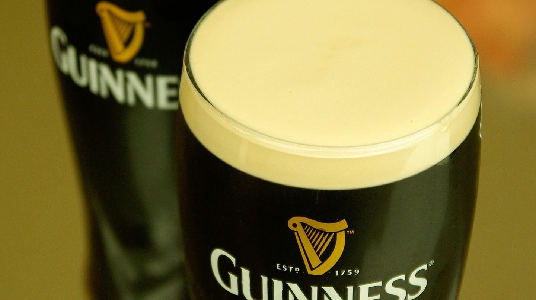 Enjoy a pint of Guinness at these Irish Bars | © jackmac34 / Pixabay