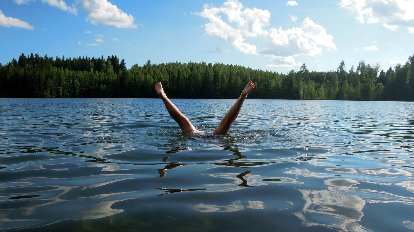 Lake swimming │Pixabay