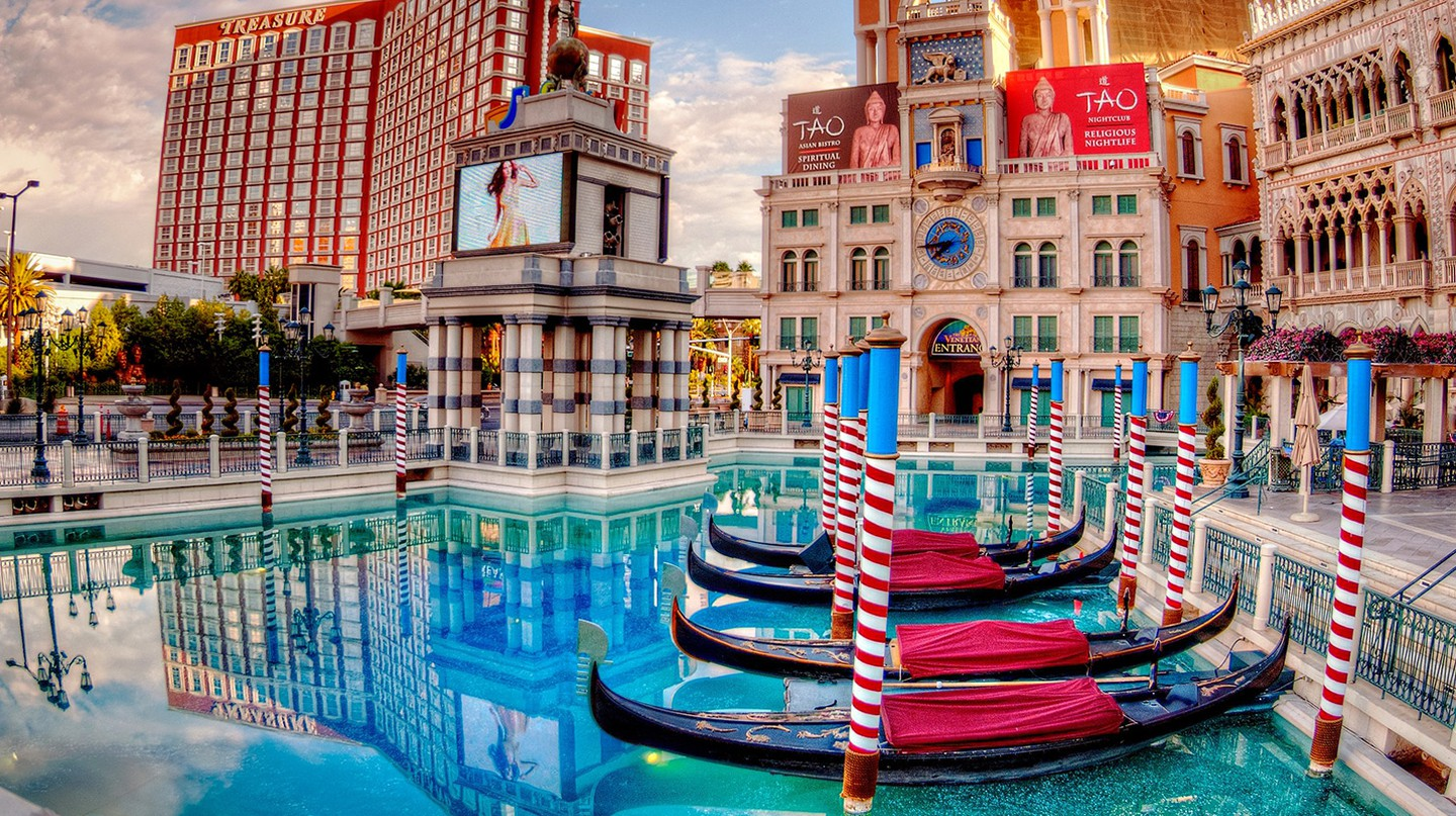 The Venetian | © Scott Webb/Unsplash