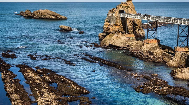 Rocher de la vierge | © Simon Biggar/Courtesy of Pays Basque Tourisme