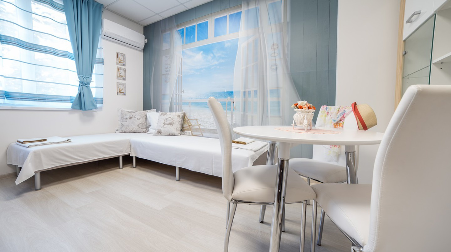 Tevi Romance Apartment | Courtesy of Tevi Boutique Apartments