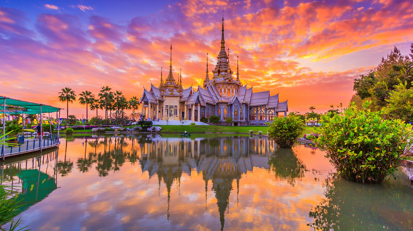 Sunset at Wat Non Kum temple, Thailand | © Apiguide/Shutterstock
