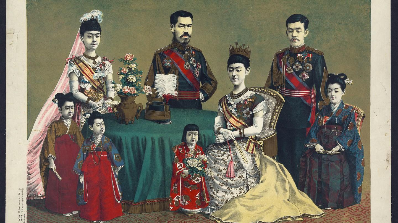 The Japanese Imperial Family (Torajiro Kasai, 1900) / Wikimedia Commons