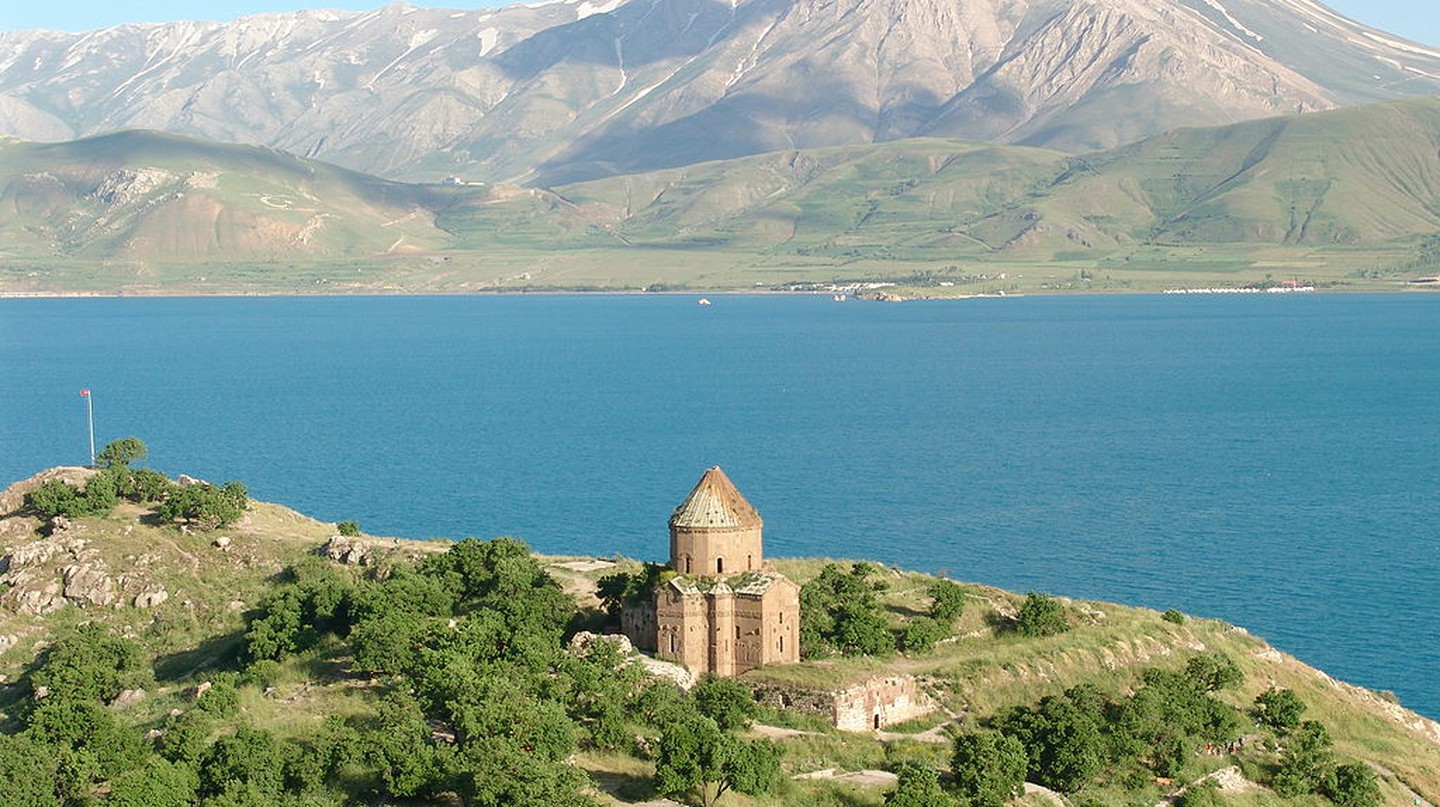 Lake Van | © Bryce Edwards/Flickr