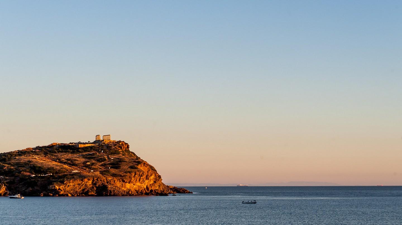 Cape Sounio in the distance   © jojo nicdao / Flickr