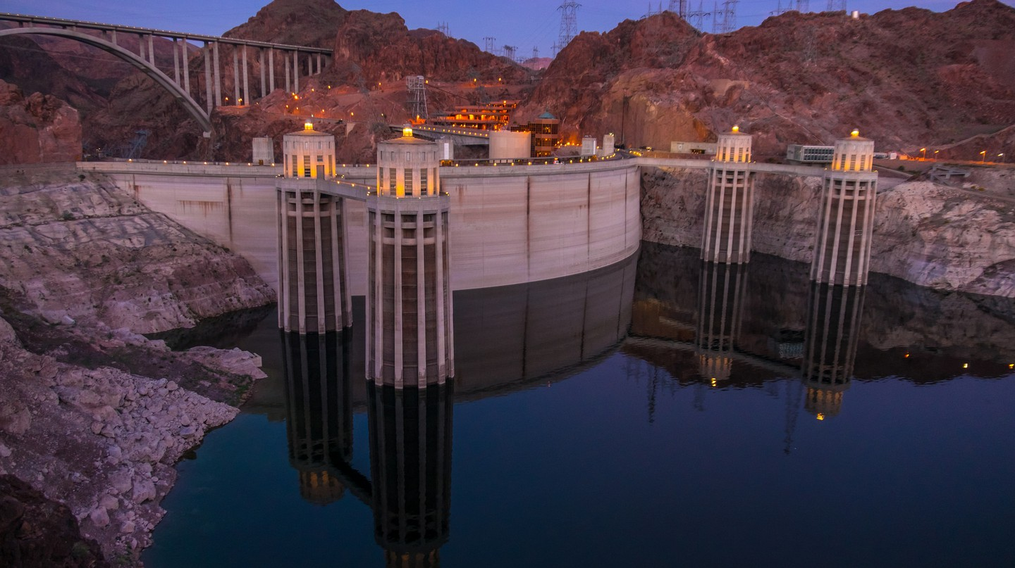Hoover Dam crosses the Nevada and Arizona state lines