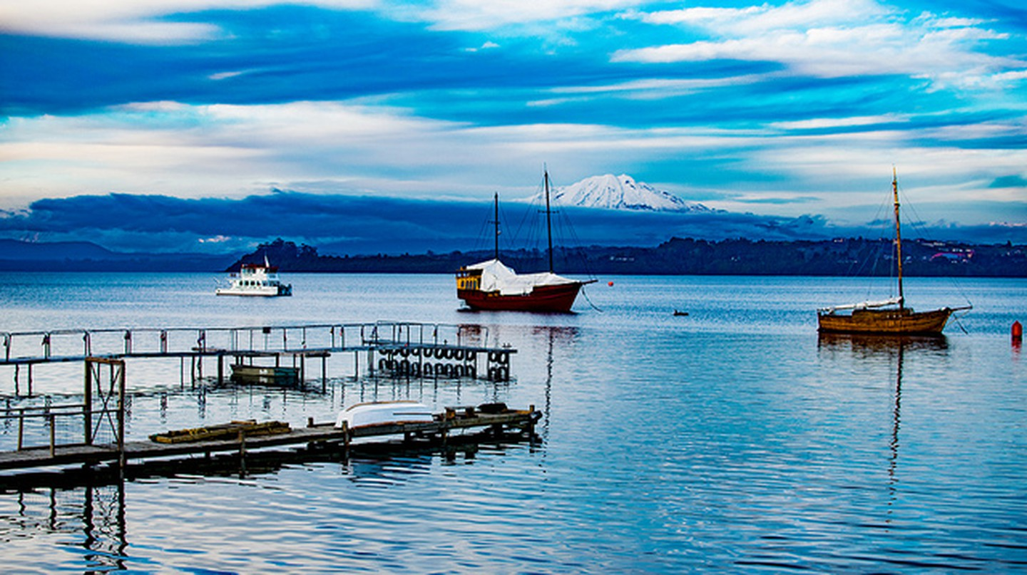 Boats on Lake Llanquihue I © Guillermo Valin/Flickr