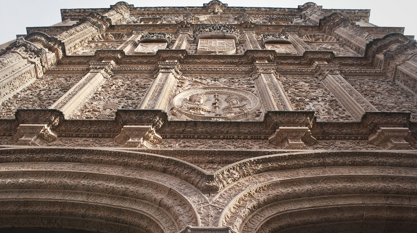 Intricate stone carvings on the facade of Salamanca University | © Ramoncutanda/Flickr