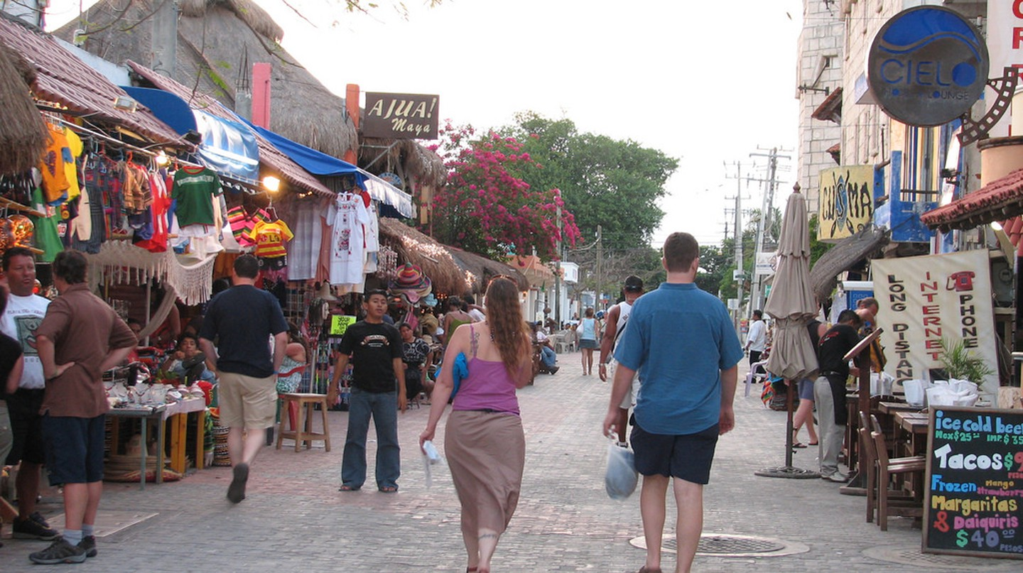5th Avenue, Playa del Carmen | © Candy Tale / Flickr