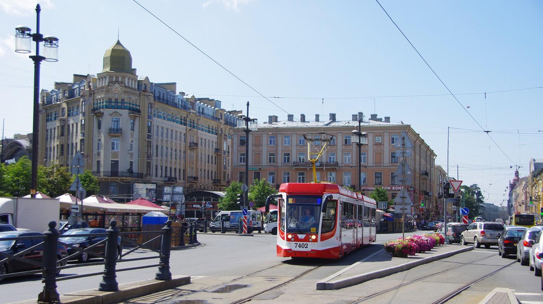 Saint-Petersburg tram 71-631 #7402 | © Artem Svetlov/Flickr