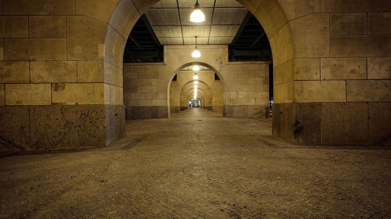 Going underground | © markusspiske/Pixabay