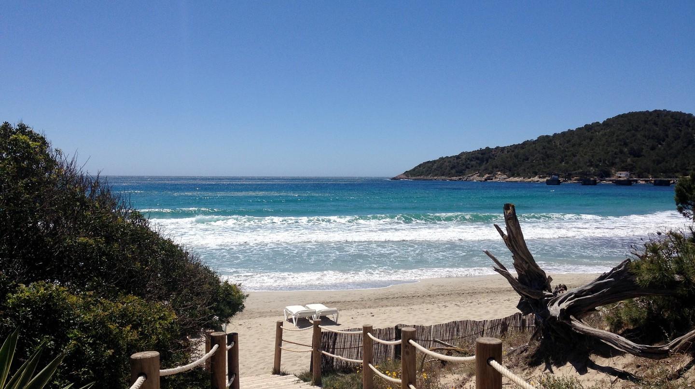 Conheça as 10 praias mais bonitas de Ibiza