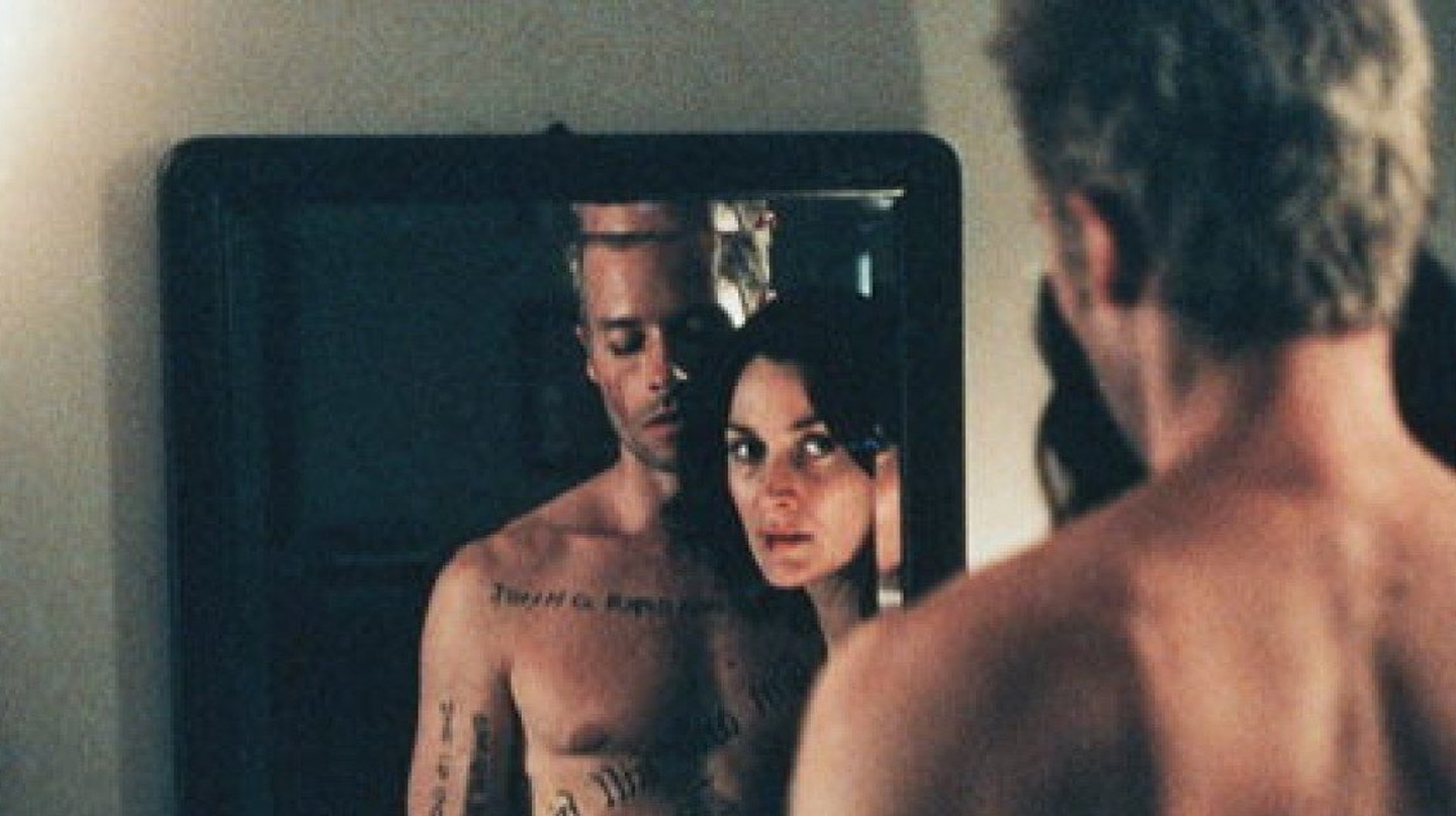 Memento (2000) Guy Pearce, Carrie-Anne Moss | © The Kobal Collection / Summit Entertainment