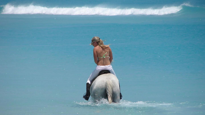 Horse riding on Noordhoek Beach | © Maurits Vermeulen / Flickr
