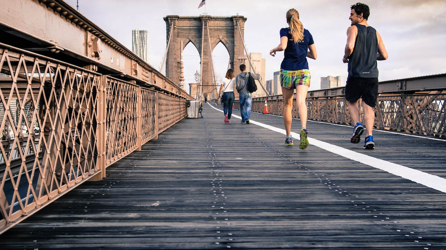 Runners on Brooklyn Bridge | © Stocksnap / Pexels
