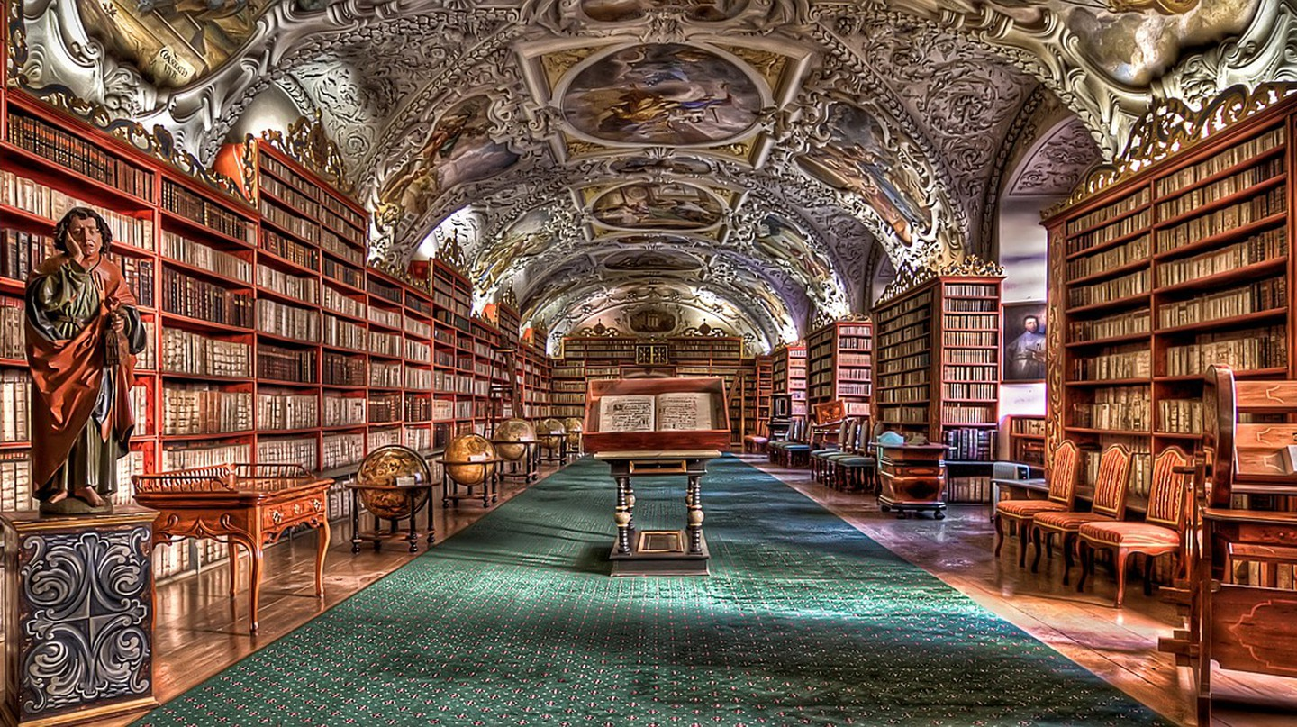 Library in Prague | © izoca/Pixabay