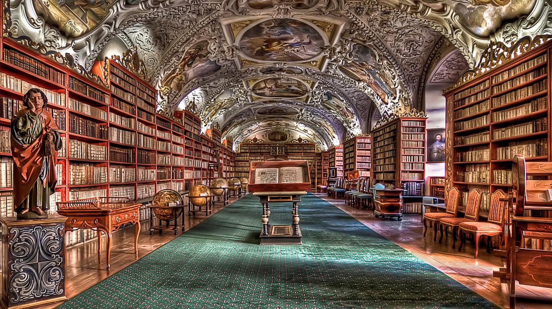 Library in Prague |© izoca/Pixabay