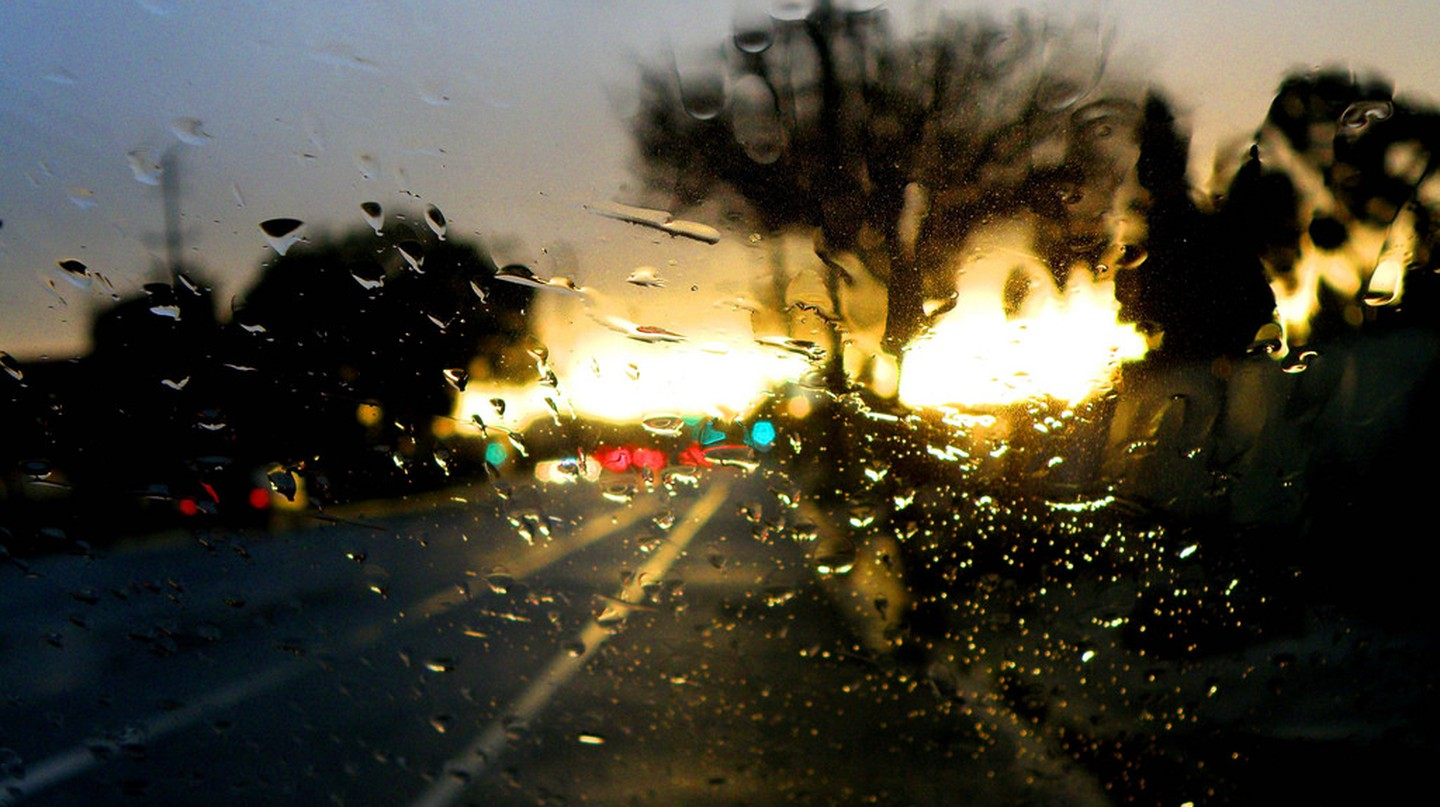"""<a href=""""https://www.flickr.com/photos/auntylaurie/4347552593/"""" target=""""_blank"""" rel=""""noopener noreferrer"""">A rainy day on Eagle Rock Boulevard 