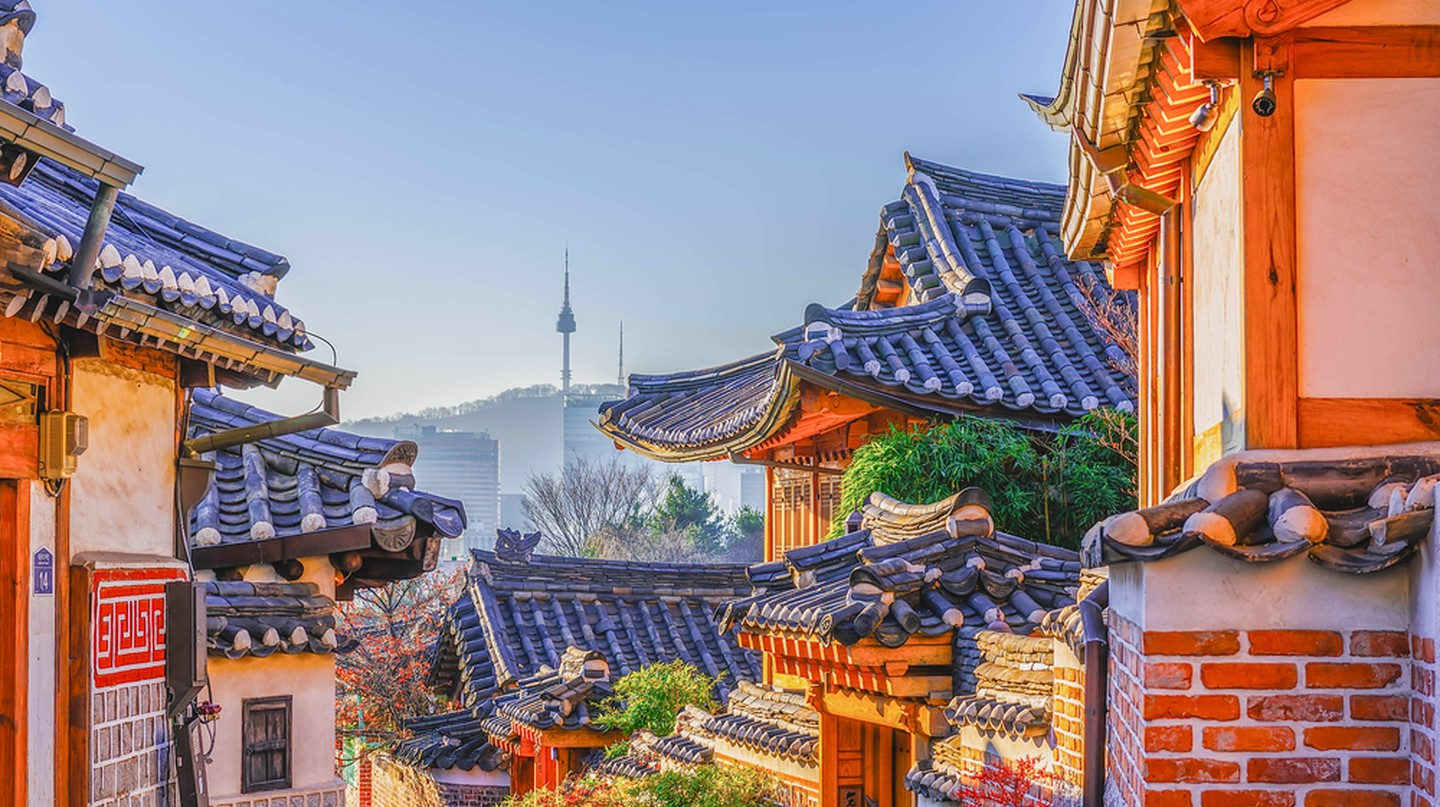 Bukchon Hanok Village in Seoul, South Korea | © wijit amkapet / Shutterstock
