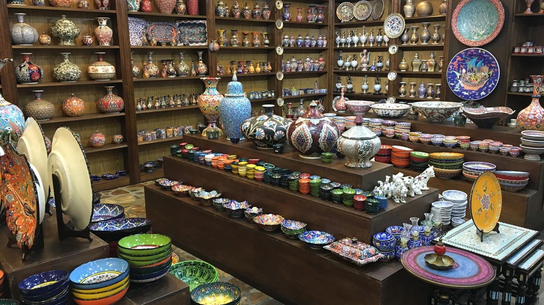 Souvenir shopping in Amman | © Daniel Abdullah / Shutterstock