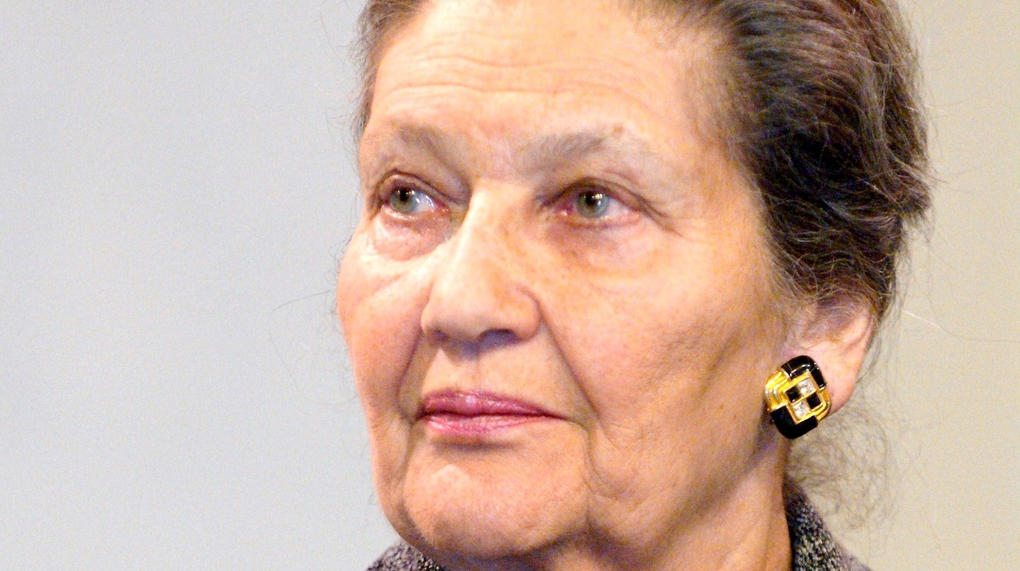"<a href = ""https://commons.wikimedia.org/wiki/File:Simone_Veil,_gymnase_Japy_2008_02_27_n3_ret.jpg""> Simone Veil 