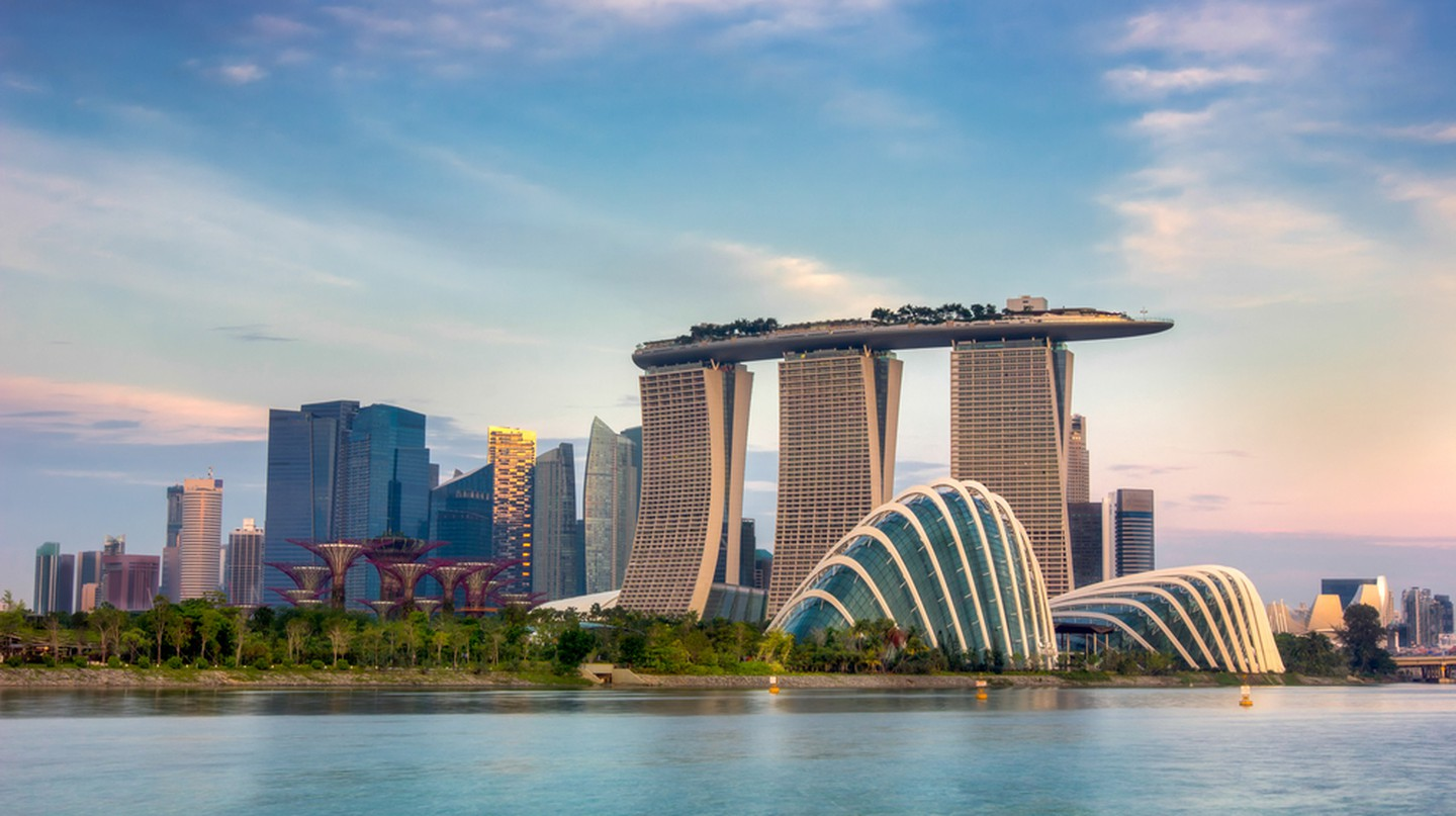 Landscape of the Singapore financial district | © anekoho / Shutterstock