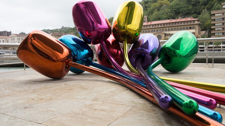 Tulips by Jeff Koons, Bilbao Guggenheim | CC0 Public Domain / Pixabay