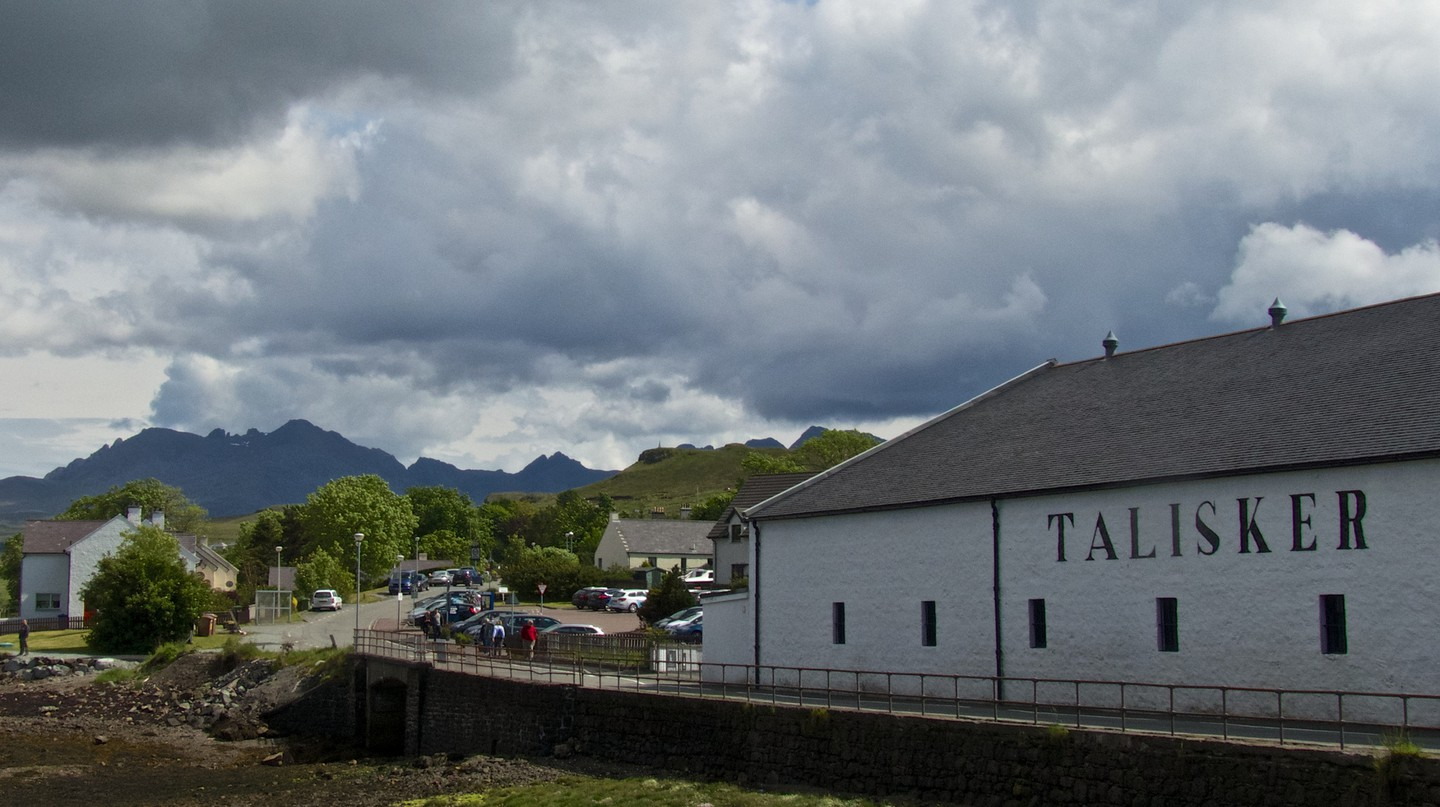 Talisker and the Black Cuillin | © s9-4pr/Flickr