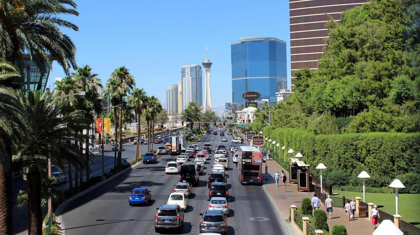 Las Vegas Strip | © Abi Skipp / Flickr