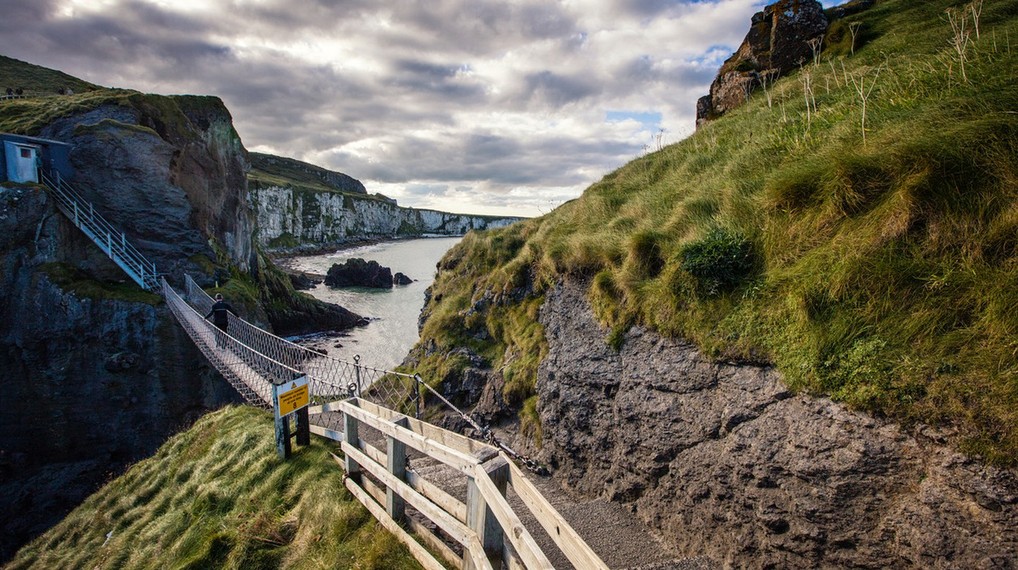 Carrick-a-Rede Rope Bridge | Courtesy of Tourism NI