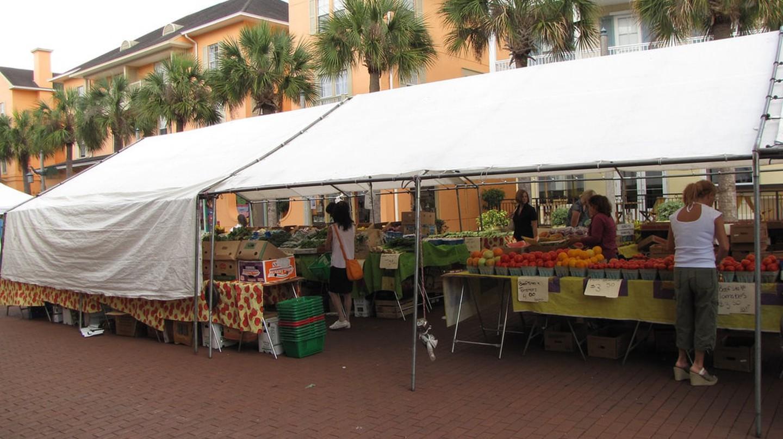 Celebration Farmers Market | © Brian Hart/Flickr