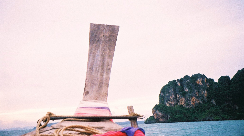 Krabi by boat | © Sean Pritchard / Flickr