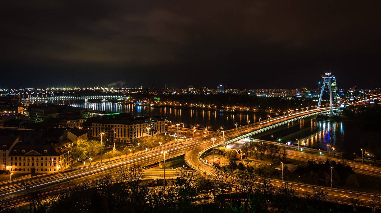 Bratislava lights up after sundown | Pixabay