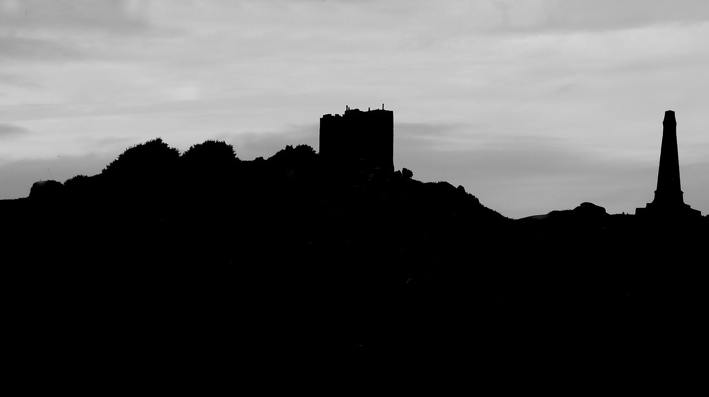 Carn Brea | © Tim Green/Flickr