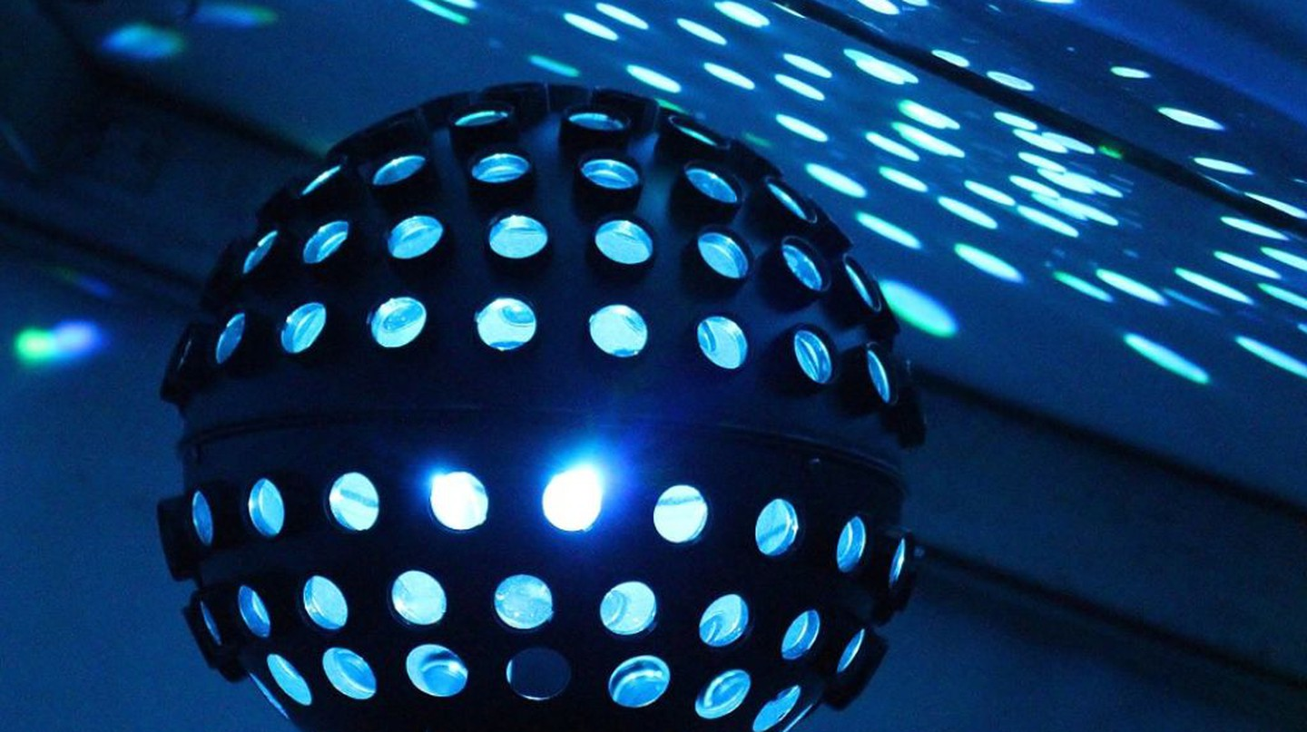 Disco Ball at Nightclub | © Counselling / Pixabay