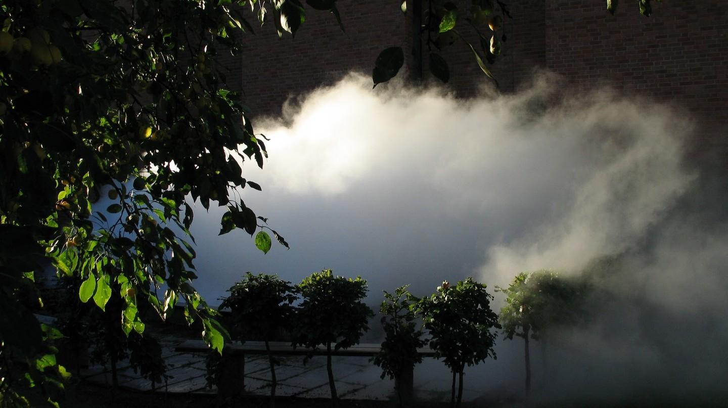 View of Fujiko Nakaya, fog sculpture #28634 at Norrköpings Konstmuseum, 2004 | Courtesy the artist and Ekebergparken