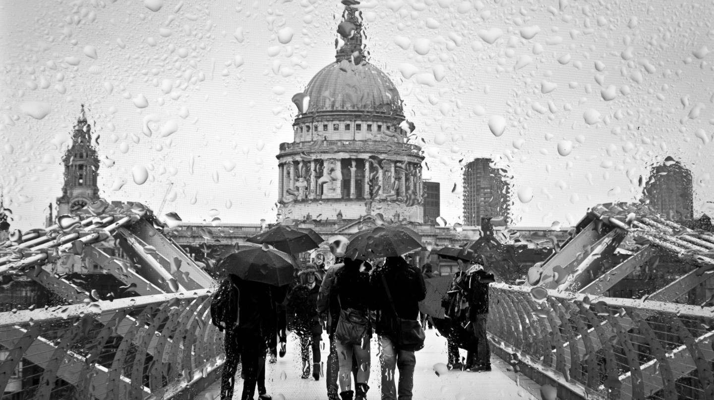 London rain | © Hernán Piñera/Flickr