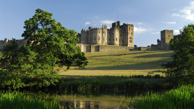 Alnwick Castle, England UK  © Darren Turner