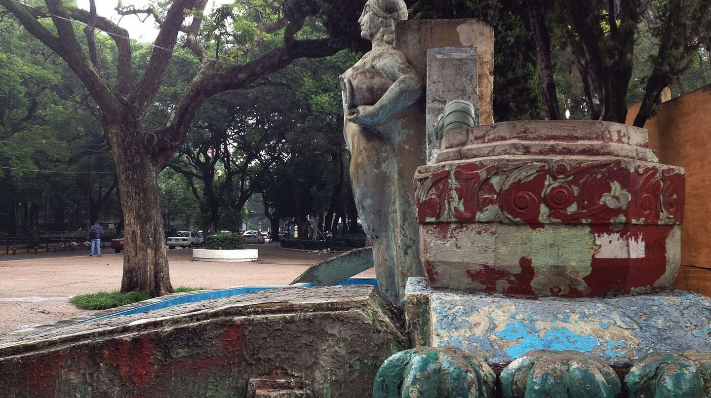 Turn of the century art in Parque Mexico / flckr | © E. Krall