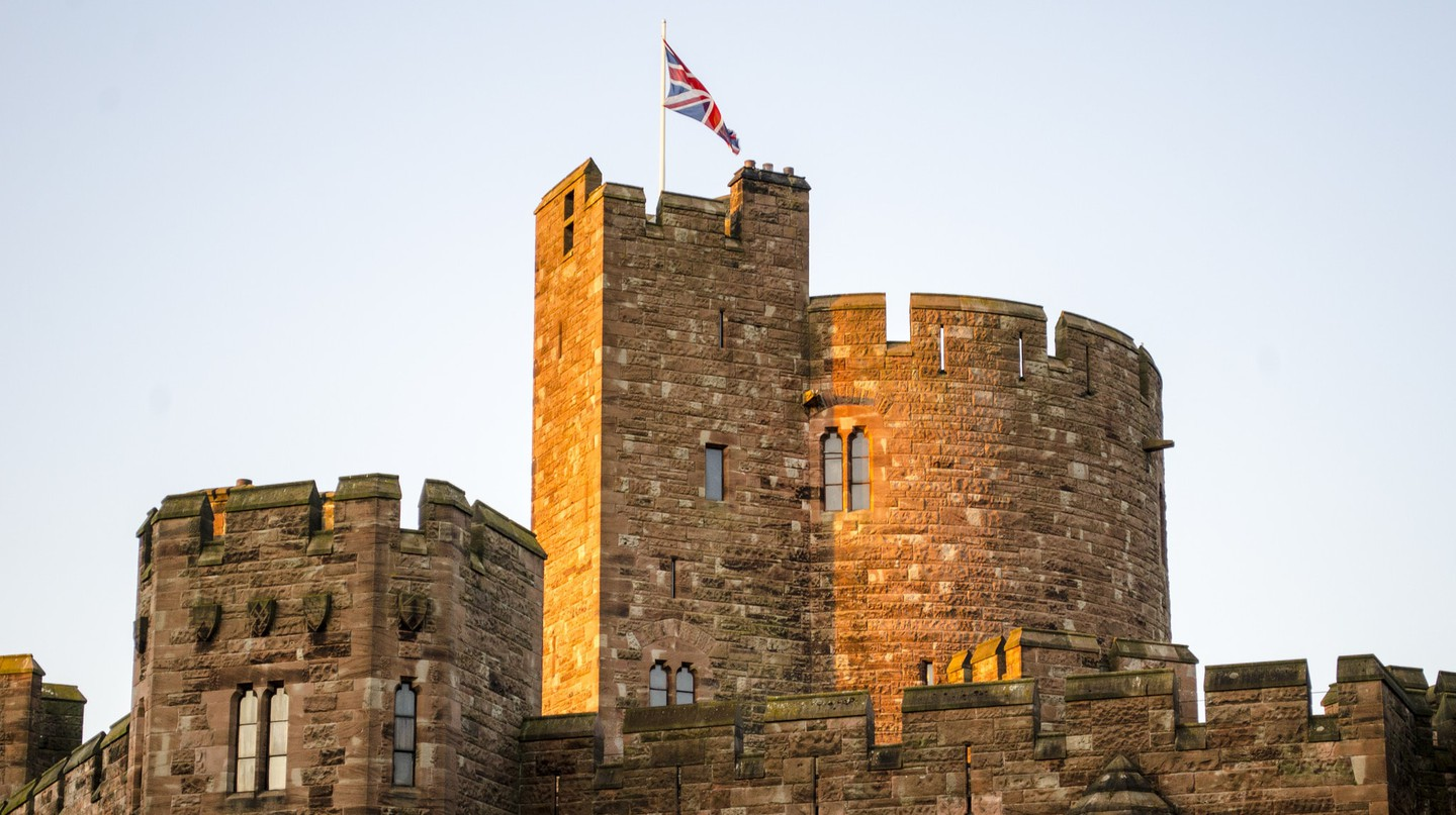 Peckforton Castle Tower | © Steve/Flickr