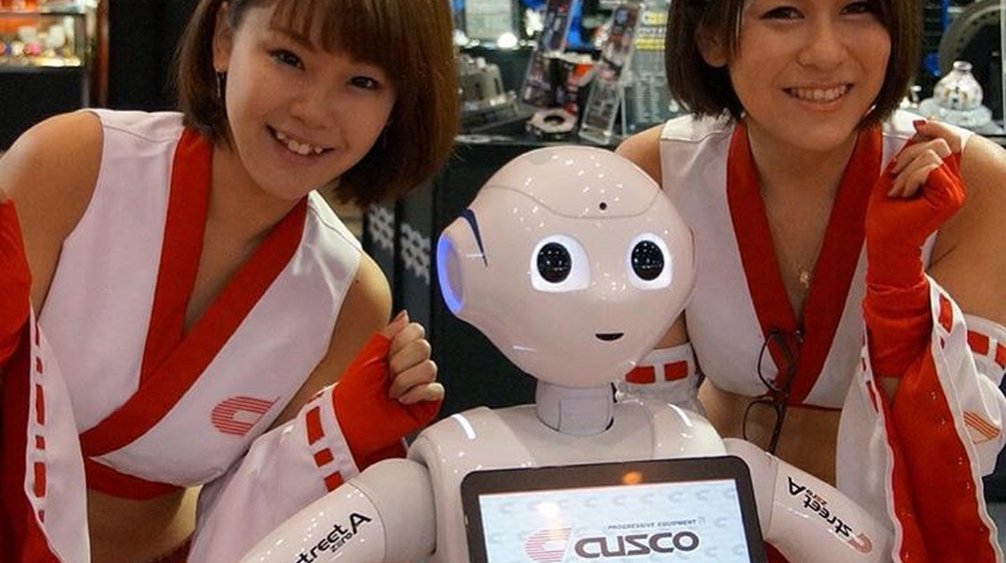 "Say hello to newest Cusco campaign team! Pepper the Customer Greeting Robot.| © Moto ""Club4AG"" Miwa/ Flickr."