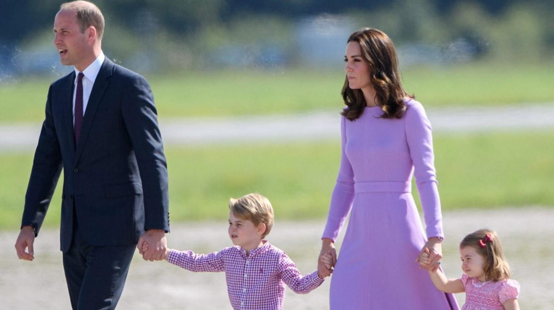 Prince William, Prince George, Catherine Duchess of Cambridge and Princess Charlotte in Hamburg | © Tim Rooke/REX