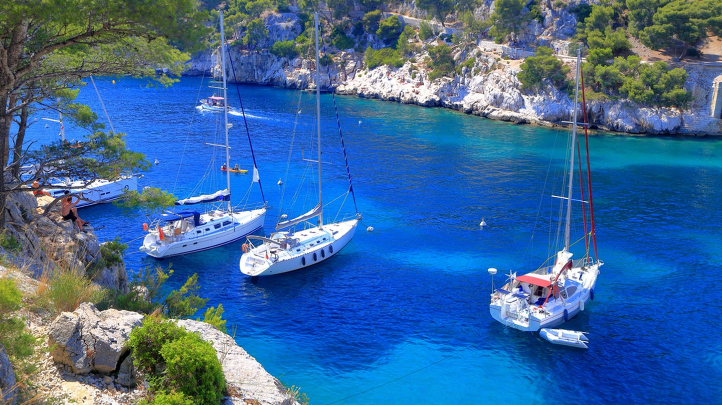 The Calanques on the coast of Cassis and Marseille | © Inu/Shutterstock