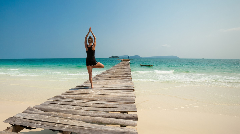 Yoga on Koh Rong | ©Anna Ewa Bieniek / Shutterstock
