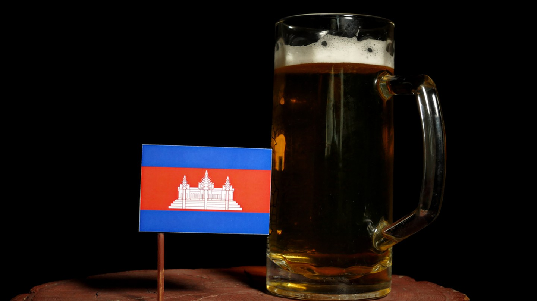 Beer in Cambodia | ©Golden Brown / Shutterstock.com