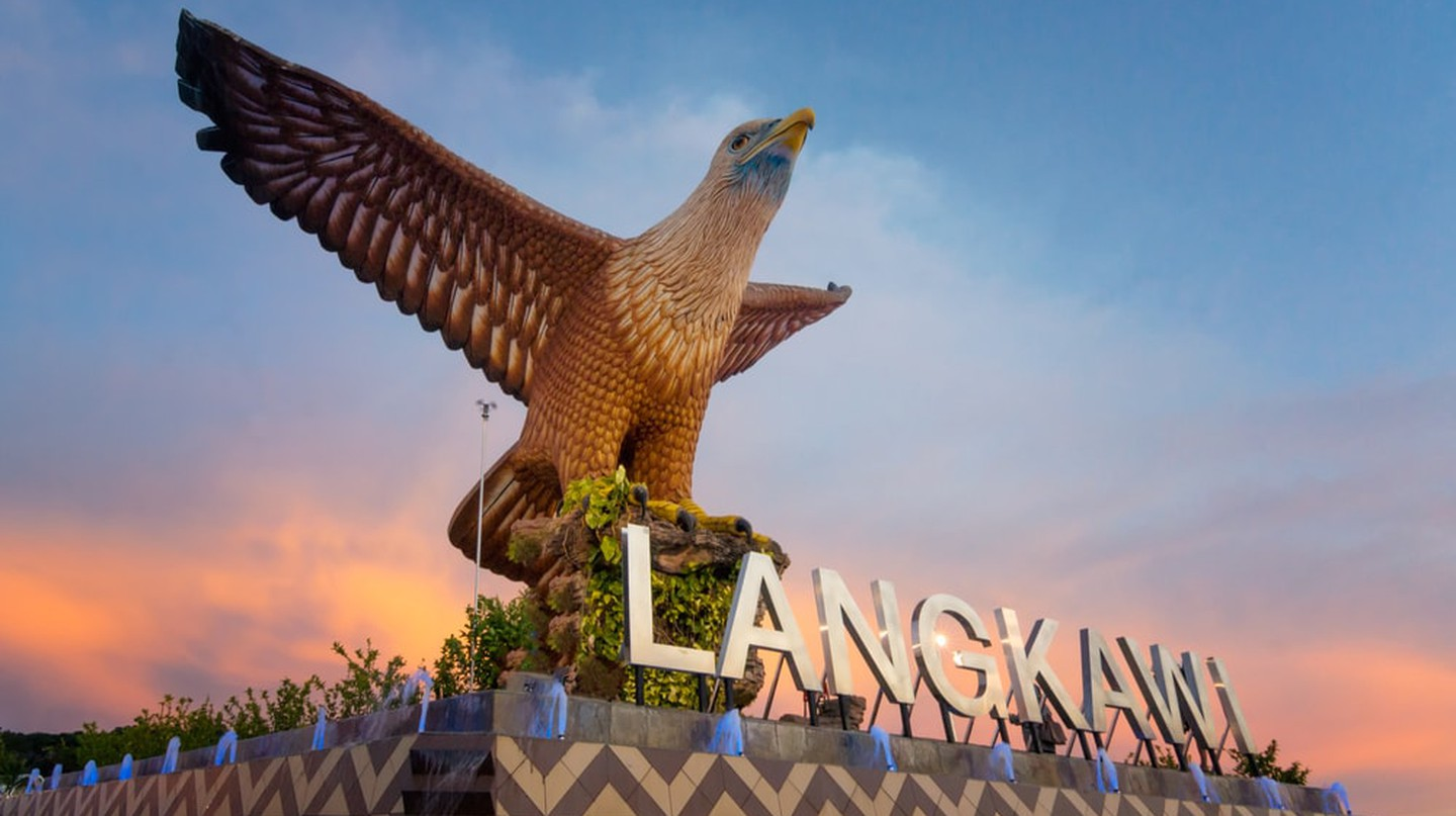 Langkawi's eagle statue | © BroNrw/Shutterstock