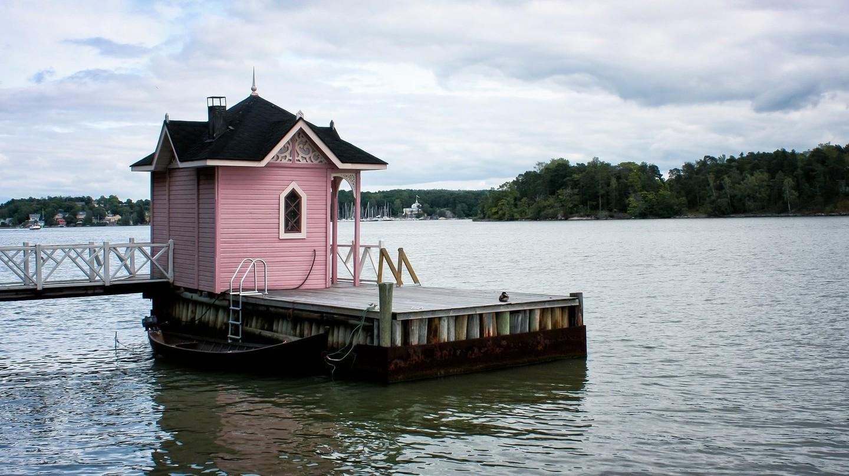 Finnish lakeside sauna / Finmiki / Pixabay
