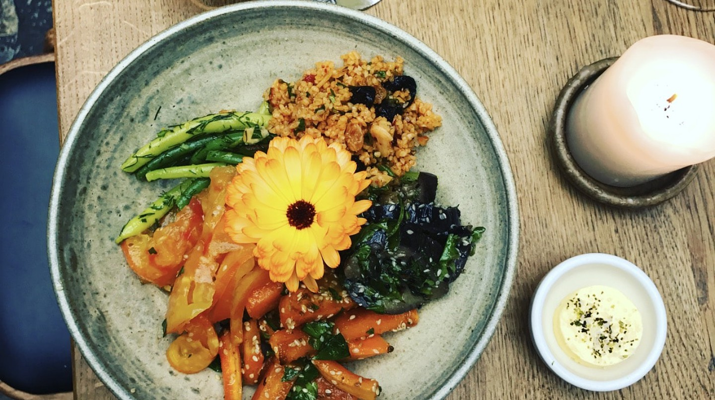 Yellow wax beans and steamed Aubergine with Miso bulgur bowl | © Kai Restaurant, Galway